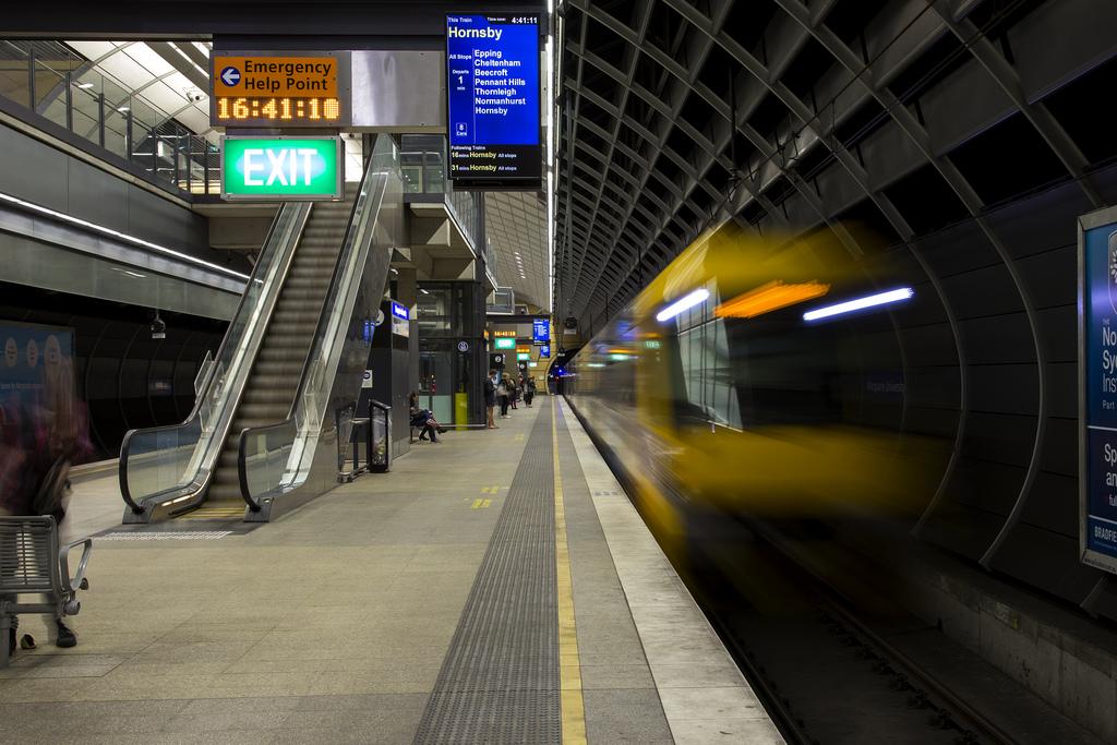 Macquarie là trường Đại học duy nhất ở Úc có nhà ga ngay trong  khuôn viên trường